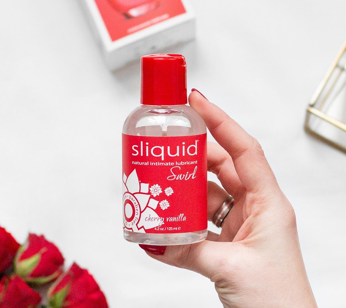 sliquid naturals swirl smakowy lubrykant na bazie wody wisnie i wanilia 1b