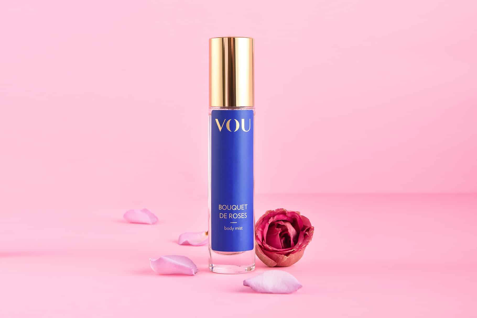 Różana mgiełka VOU do ciała i pościeli – mój nowy, seksualny rytuał | Recenzja